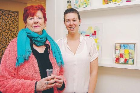 ?? FOTO: LEIF OLDENBURG ?? BÖRJAN. Christina Lovén och Isabelle Hvalgren fick idén i tandläkarstolen.