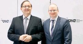 ??  ?? Die Flughafen-Wien-Chefs, Günther Ofner (li.) und Julian Jäger.
