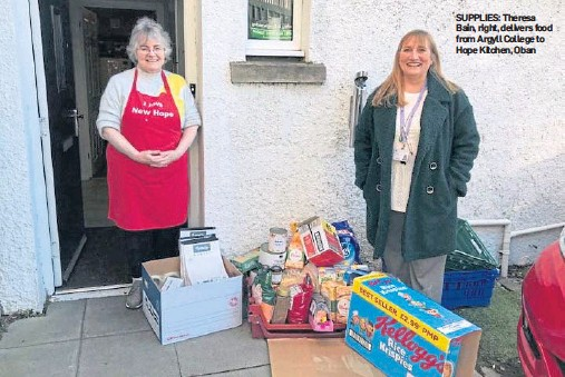 ??  ?? SUPPLIES: Theresa Bain, right, delivers food from Argyll College to Hope Kitchen, Oban