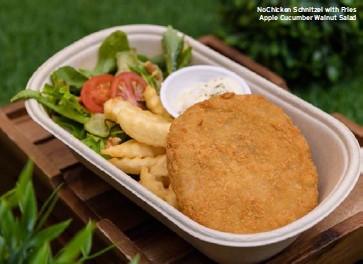 ??  ?? Nochicken Schnitzel with Fries Apple Cucumber Walnut Salad