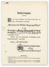 ??  ?? ■ A Bavarian pilot's qualification certificate to Unteroffizier Friedrich Emmerich.