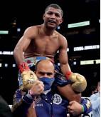 ??  ?? THE WINNER? Estrada gets the nod after Gonzalez celebrates