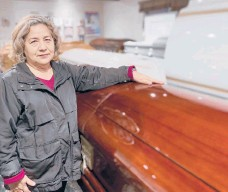 "?? MAGDAMALDO­NADO ?? ""I've been in the funeral industry for 40 years and never in my life did I think that this could happen, that I'd have to tell a family,'No, we can't take your family member,' ""said Magda Maldonado, owner of Continenta­l Funeral Home in Los Angeles."