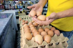 ?? Johnny olivares ?? Los huevos suben por caída de producción nacional.