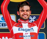 ??  ?? Asgreen backed himself to beat Van der Poel in the two-up sprint to win Flanders