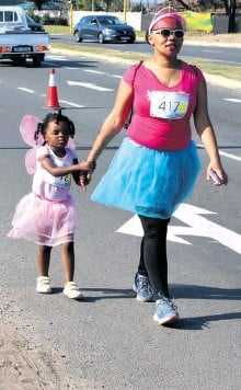 ??  ?? Little Sissy Barnes did a great job walking the 4km route with her mom Brenda