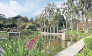 ??  ?? ● Logan Botanic Garden