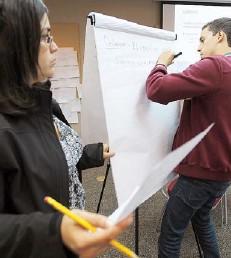 ??  ?? MÁS DE 60 ciudadanos participaron del taller de ayer en la Universidad del Sagrado Corazón.