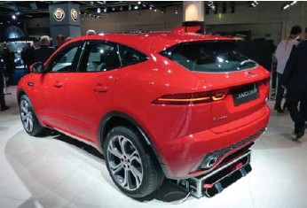 ?? JIM KENZIE PHOTOS FOR THE TORONTO STAR ?? A range of 2.0-litre four-cylinder Ingenium diesel and gasoline engines will be available in the Jaguar E-PACE.