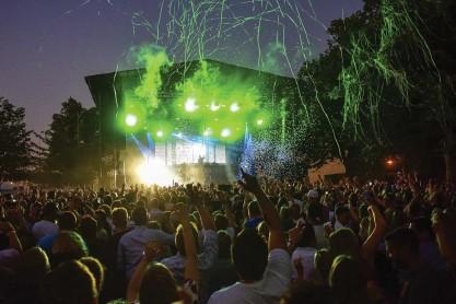 ?? FOTO: JOAKIM HOLMSTRÖM/SPT ?? Inga stora festivaler ordnades under sommaren 2020 vilket påverkar både artisterna och arrangörernas inkomster under det här skatteåret. Arkivbild från Rockoff på Åland.