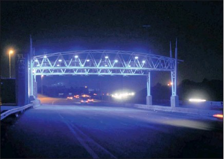 ?? PHOTO: ZIPHOZONKE LUSHABA ?? Debate over the plan to introduce electronic tolling on sections of Gauteng's highways continues, with care rental agencies suggesting alternative forms of revenue.