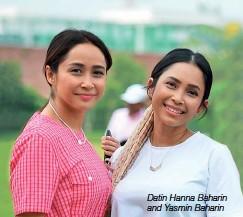??  ?? Datin Hanna Baharin and Yasmin Baharin