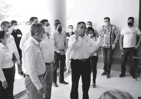 ?? JORGE COTA ?? Trabajadores del IMSS de El Fuerte llegan a un acuerdo con autoridades y sindicato.