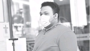 ??  ?? BERSALAH: Sufazrin didenda RM7,000 oleh Mahkamah Sesyen semalam selepas mengaku bersalah membuat dan menghantar komunikasi jelik terhadap Agong di laman sosial Twitter tahun lepas.