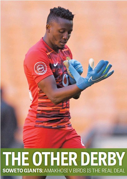 ?? Picture: Backpagepix ?? GLOVING UP. Kaizer Chiefs' third-choice goalkeeper Bruce Bvuma looks certain to get another start when they take on Swallows in the DStv Premiership at FNB Stadium today.