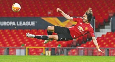 ?? File ?? ↑ Edinson Cavani is an important cog in the Manchester United squad.