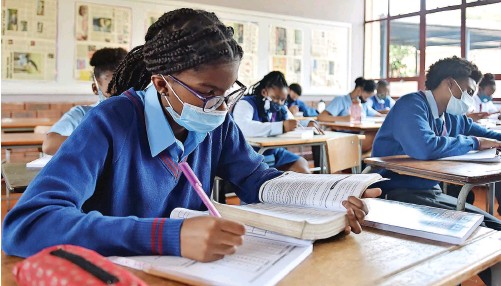 ?? | THOBILE MATHONSI African News Agency (ANA) ?? PUPILS get to grips with their workload after returning to school after the lockdown eased. Despite the country's response to violence against women and girls, schoolgirl­s still struggle with male violence in and out of school, say the writers.