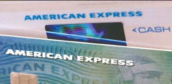 ?? ELISE AMENDOLA/ THE ASSOCIATED PRESS FILES ?? American Express doesn't expect business travel to pick up until late 2021 or early 2022. Spending on its cards dived 19 per cent to US$248.7 billion in the third quarter.