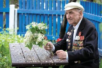 ?? ФОТО АЛЕКСЕЯ ГЕРАСИМЕНКО ?? В области проживают 616 ветеранов Великой Отечественной войны и 2805 лиц, пострадавших от ее последствий. Никто из этих людей не забыт.