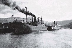??  ?? SS Iceland, 8491 tons, 490 feet long and Port Napier, 5460 tons, 400 feet long at Victoria Wharf, Dunedin, on October 19, 1920. — Otago Witness, 02.11.1920.