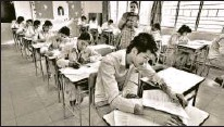 ?? SANJEEV VERMA/HT ?? The new evaluation system must cater to hybrid learning and integrate inhouse exams with additional parameters of assessment such as critical thinking, creativity and communication skills. The board exams will have to be flexible in their approach, dissuading rote learning