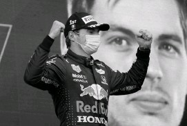 ?? LUCA BRUNO AP ?? Red Bull driver Max Verstappen of the Netherlands celebrates after winning the EmiliaRomagna Formula One Grand Prix, at the Imola racetrack in Italy, Sunday.