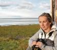 ?? Fotos: dpa ?? Anne Evers ist Vogelwartin auf der Nord‰ see‰Insel Trischen.