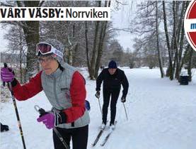 """?? FOTO: CHARLOTTE ARWEDSSON ?? PÅ SPÅRET. Ulla Witting från Bollstanäs och Anders Redberg från Sollentuna passade på att ta en tur i skidspåren vid Norrviken. """"Vi har varit arbetskamrater tidigare, så det är kul att träffas så här."""""""