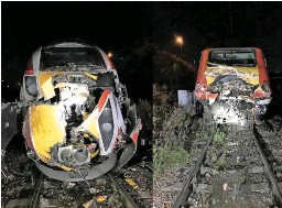 ?? RAIB/NETWORK RAIL. ?? The damage to LNER 800109 (left) and 43300 (right), following the collision at Neville Hill on November 13 2019.