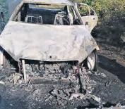 ??  ?? Die polisie en beamptes van die departement van seevisserye het Dinsdag op die R326-pad op die uitgebrande wrak van 'n voertuig afgekom wat vol perlemoen was.