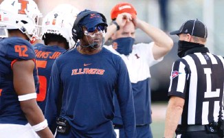 ?? GETTY IMAGES ?? Lovie Smith was 17-39 in five seasons as Illinois' coach before being fired in December.