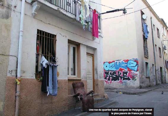 ??  ?? Une rue du quartier Saint-jacques de Perpignan, classé le plus pauvre de France par l'insee.