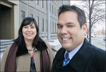 ?? DAVE SIDAWAY/ THE GAZETTE ?? Acosys Consulting co-founders Julie Lepage, an Ojibway from Nipissing First Nation, and David Acco, a Cree-Métis from Cumberland House, Sask., set up their Montreal company in 2006 to give natives training and experience.