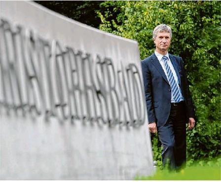 ??  ?? Ein langjähriger Chef geht von Bord: Bernhard Wehde verabschiedet sich nach fast 20 Jahren aus dem Christophsbad – mit vielen Erinnerungen im Gepäck.