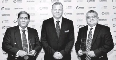 ??  ?? From left: NDB CEO Russell de Mel, Asian and Banking Finance Magazine Publisher Tim Charlton and NDB Vice President and Head of Retail and SME Banking Raj Aboobucker
