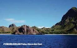 ??  ?? PEMANDANGAN Pulau Rinca dari bot.