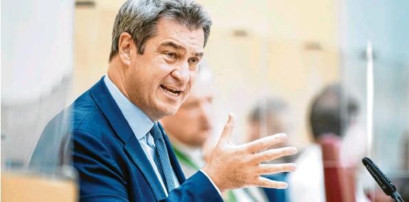 ?? Foto: M. Balk, dpa ?? Ministerpräsident Markus Söder legt sich bei seiner Regierungserklärung mächtig ins Zeug – doch am Ende erntet er von CSU und Freien Wählern nicht viel mehr als pflichtgemäßen Applaus.