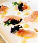 ?? JEAN LEVAC/OTTAWA CITIZEN ?? Chef Darren Flowers of Brothers Beer Bistro makes his tuna crudo plate a delicious study in contrasts.