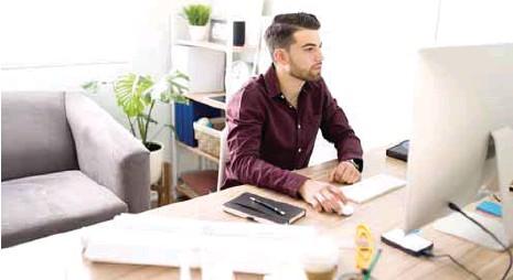 ?? / DREAMSTIME ?? Atención. Para recibir los beneficios de la reforma al home office, estos deben constar en el contrato colectivo.