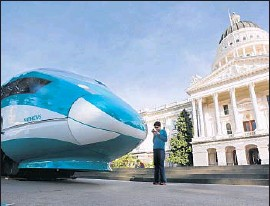 ?? Rich Pedroncelli Associated Press ?? HIGH-SPEED RAIL OFFICIALS say building the project's first segment in the Bay Area instead of Southern California could be faster, less risky and cheaper.