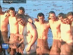 ??  ?? TESTING TIMES: Exhausted, often naked, the Springboks show team spirit in these still frames from a video on Kamp Staaldraad aired on