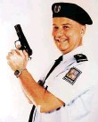 ?? Foto: archiv ?? Ladislav Potměšil jako svérázný náčelník policejní školy.