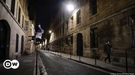 ??  ?? Wer nachts auf die Straße will, braucht mancherorten einen triftigen Grund - sonst wird's teuer