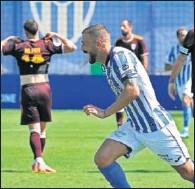 ??  ?? Dioni celebra uno de sus goles al Albacete.
