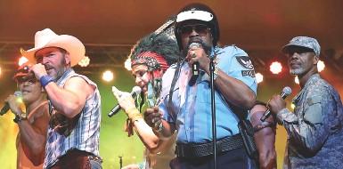 ??  ?? Icone I Village People in concerto: la serata di domani sarà a ingresso gratuito Si potranno riascoltare i successi della band