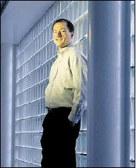 ?? CanWest News Service Archive ?? John Roese, who has been Nortel's chief technology officer for one year, is focusing on the firm's R&D department.