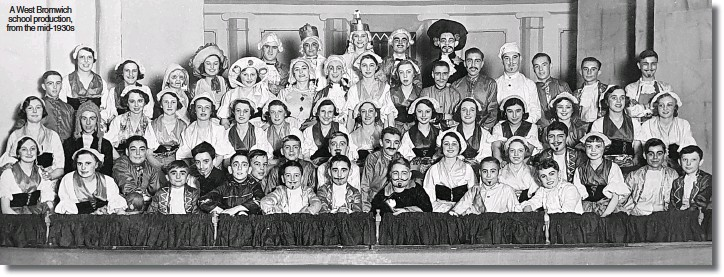 ??  ?? A West Bromwich school production, from the mid-1930s