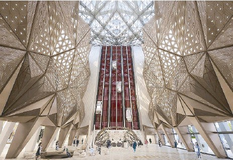 ??  ?? The spectacular atrium comprising a 35-meter-high space gives an incredible view of the intriguing lower void.