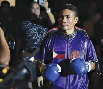"""??  ?? FILIPINO WORLD BOXING CHAMPION Donnie """"Ahas"""" Nietes defends his IBF Flyweight title at HBO"""" Superfly 2"""" card on Sunday."""