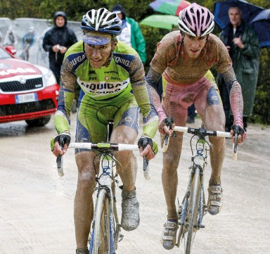 ??  ?? The Giro's last real sterrato stage was in 2010, when rain made the conditions epic